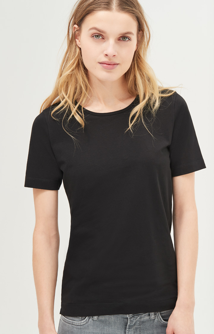 Basic-Shirt Tess in Schwarz