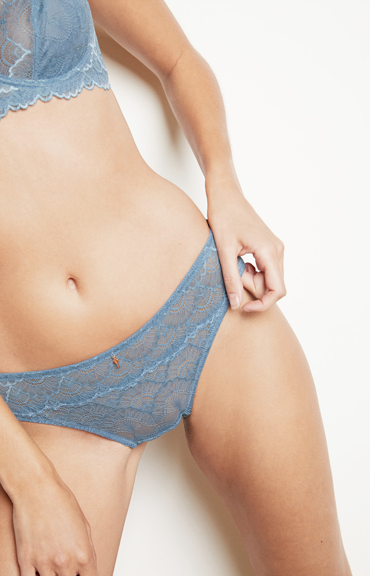 Spitzen-Slip in Medium Blau