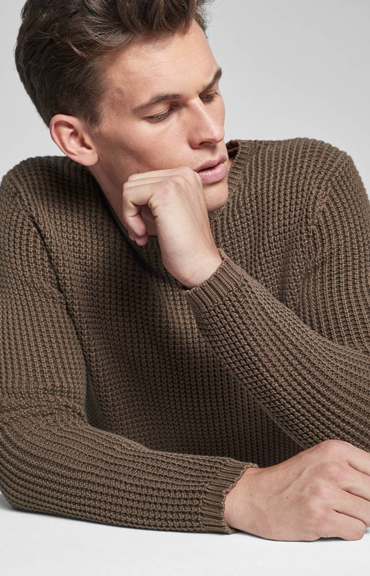 Pullover Hadrian in Oliv