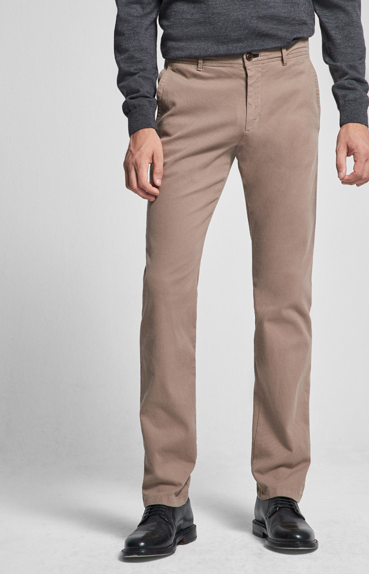 Chino Matthew in Beige