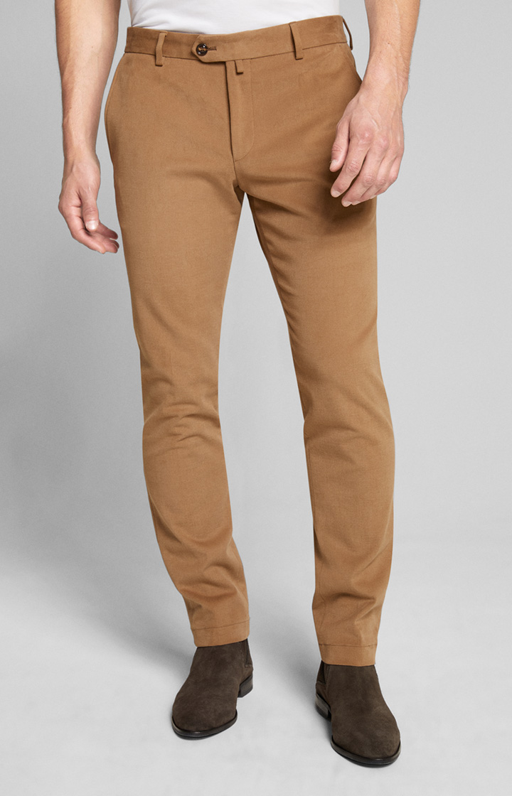 Chino Hank in Camel